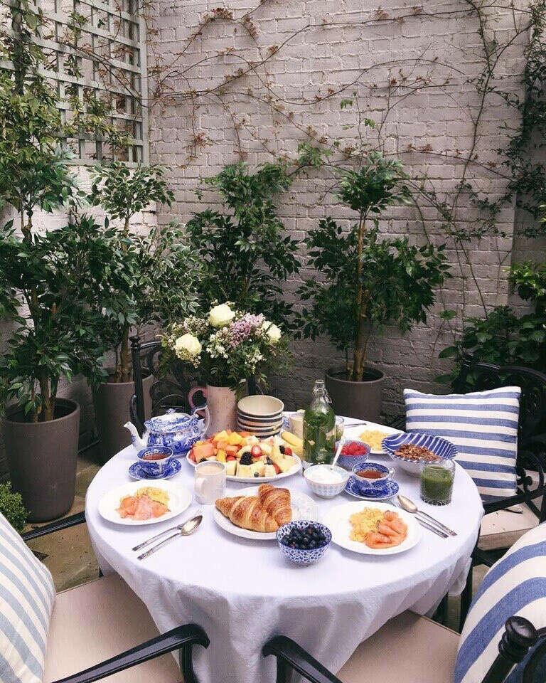 Волшебное утро с чудесным завтраком