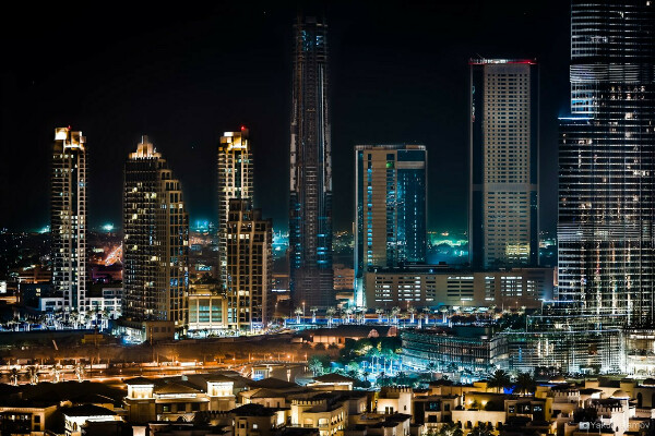 посетить случайно Дубаи