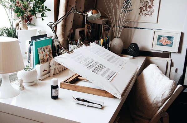 Обустроить рабочее место каллиграфа