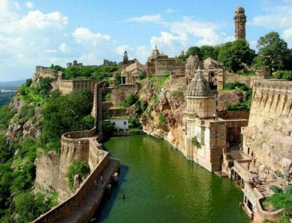 Поехать в Индию