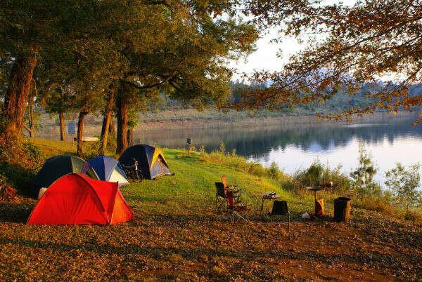 Ночевка в палатках у реки