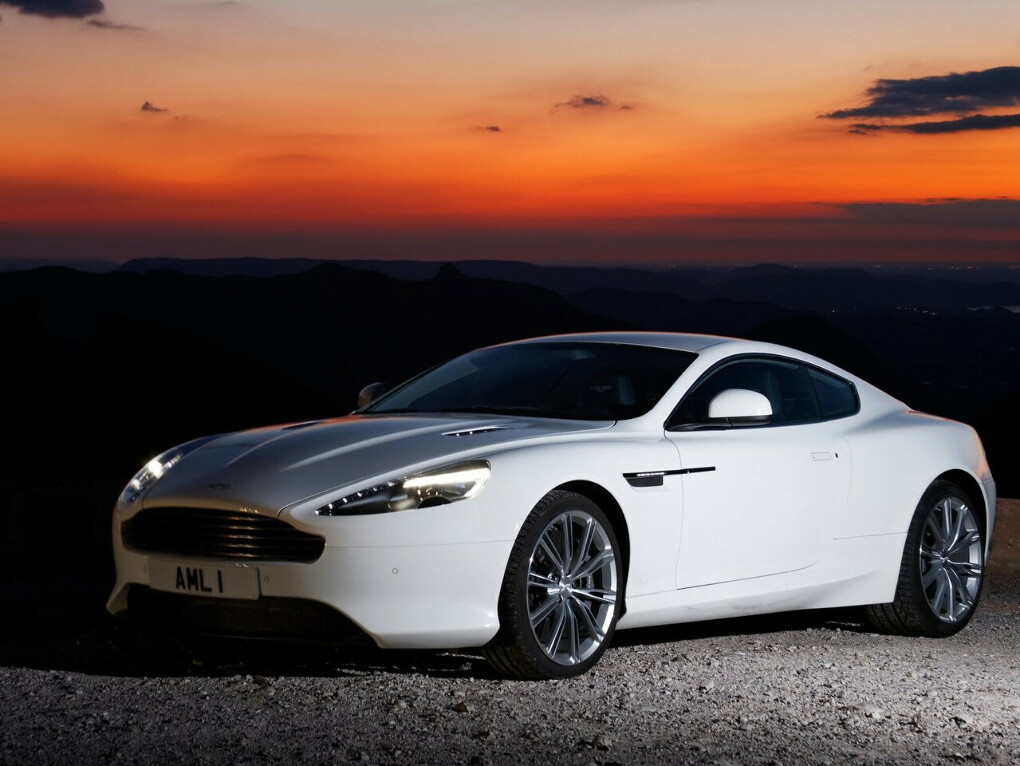 Автомобиль Aston Martin Virage Coupe