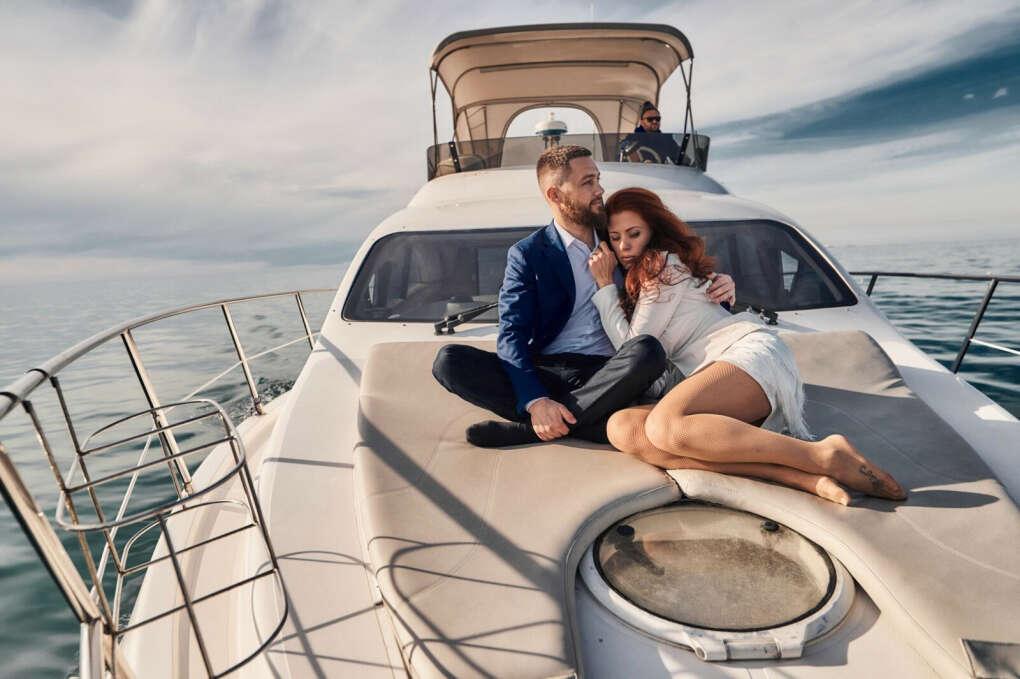 Фотографии с любимым на яхте