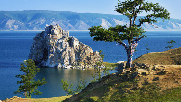 Поехать на Байкал