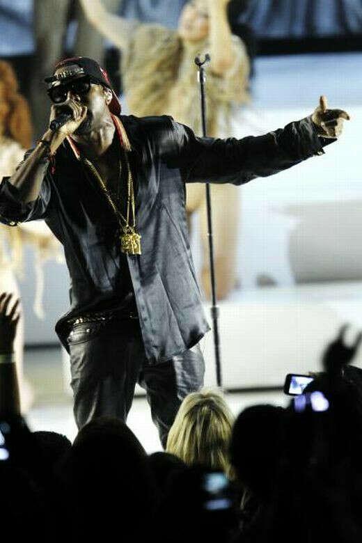 Поситить концерт Kanye West