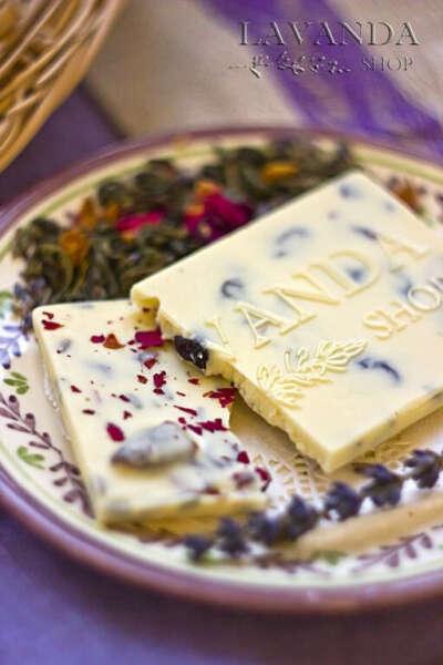 Белый шоколад с лавандой