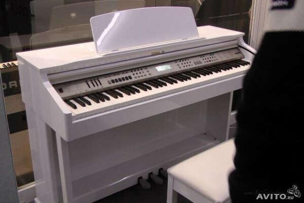 Белое цифровое фортепиано