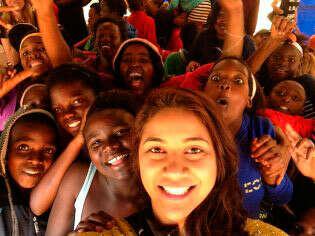 Поехать волонтером в Африку.