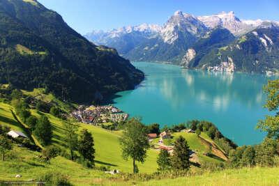 В Швейцарию