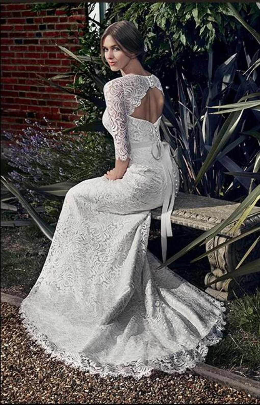 Apolinne by Suzanne Neville Wedding dress