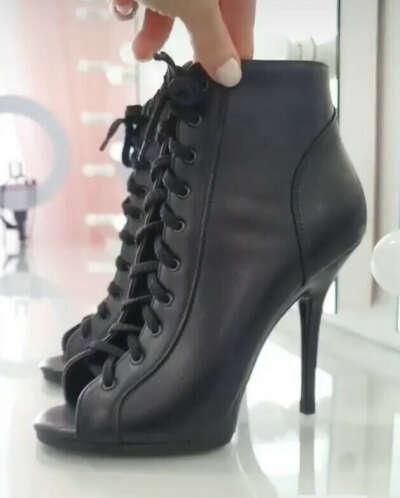 Heels от Ани Гротеск