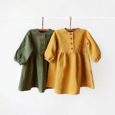 Детское платье из крапивы от Little Acorns зелёного цвета