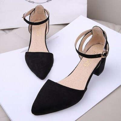 Черные туфли на низком ходе