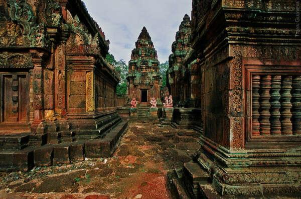 погулять по Храмовому комплексу Ангкор Ват
