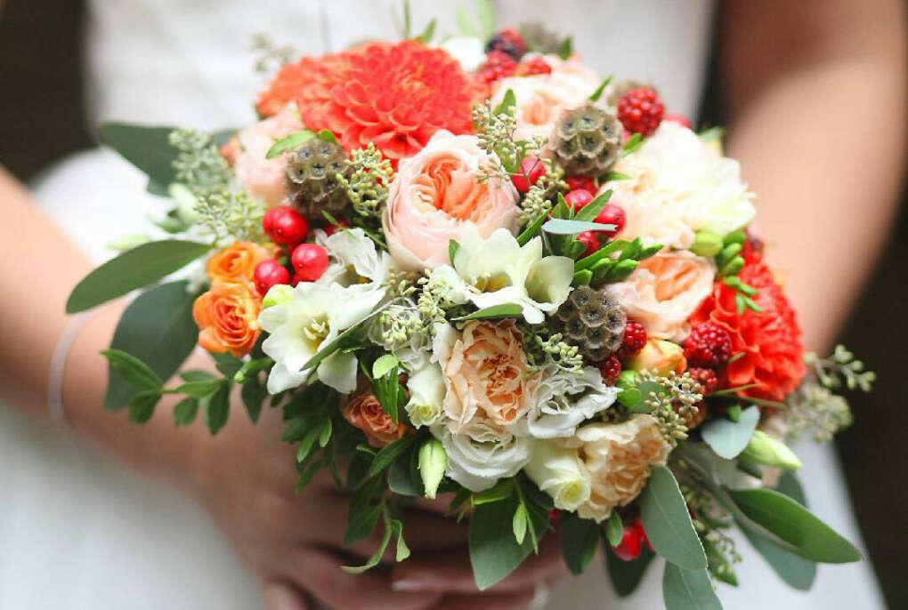 Если дарите цветы, то см. описание