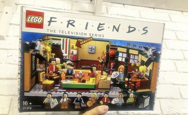 коллекционный набор LEGO® Ideas «Друзья»!