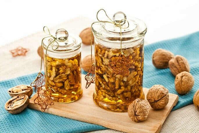 Сделать баночку меда с грецкими орехами