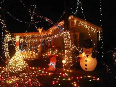 Хочу отпразновать это рождество в Америке, в уютном домике, как в Американских фильмах))*