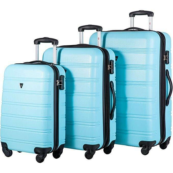 Небольшой чемодан для путешествий