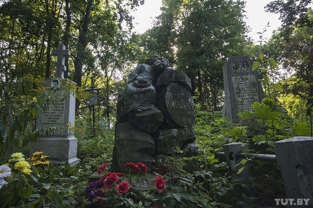 Побывать на Тришинском кладбище в Бресте