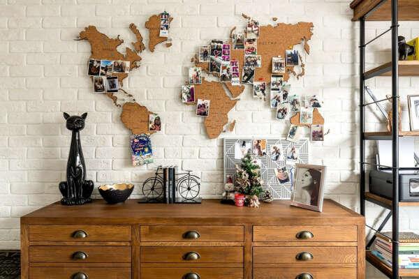Пробковая карта мира