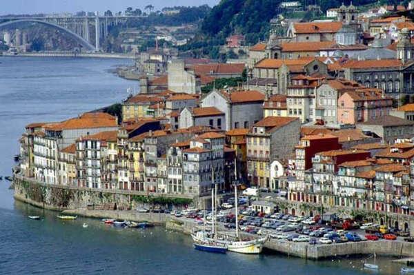 Поехать в Португалию