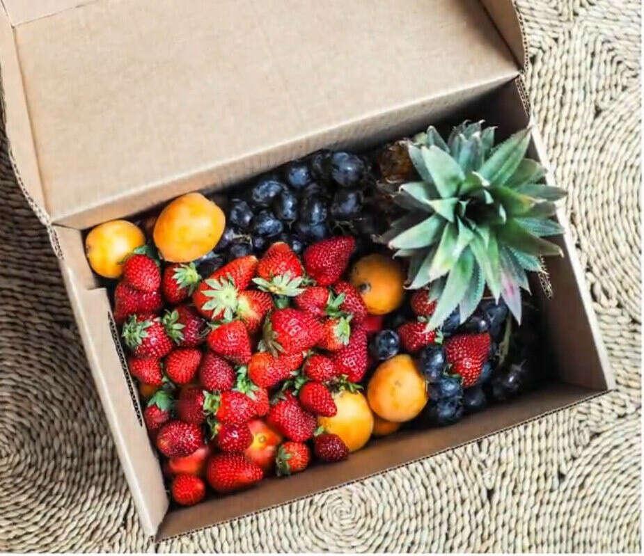 Я хочу большую коробку фруктов!!!)))