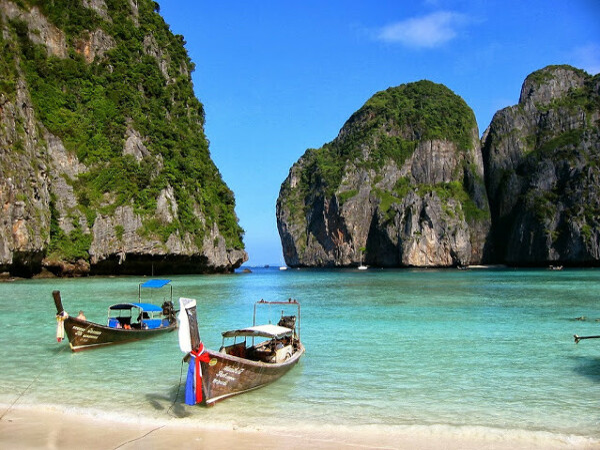 В Тайланд