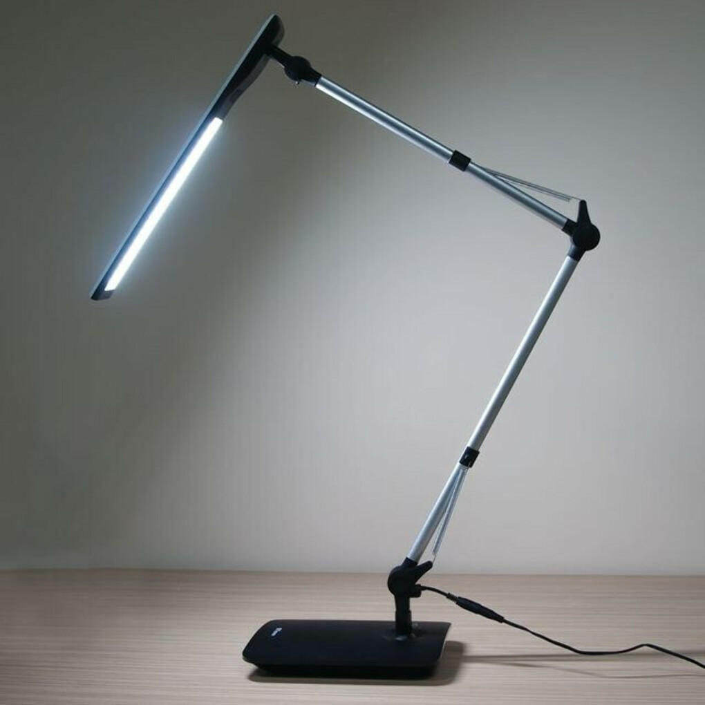 Настольная лампа для чтения книг и рисования