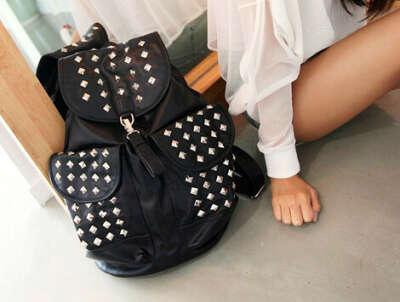 Хочу рюкзак с шипами