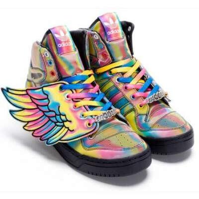 Кроссовки с крылышками adidas