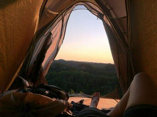 Отправиться в поход с палатками вместе с Мо^^
