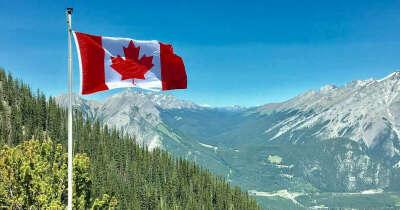 Отправится в поход в Канаде
