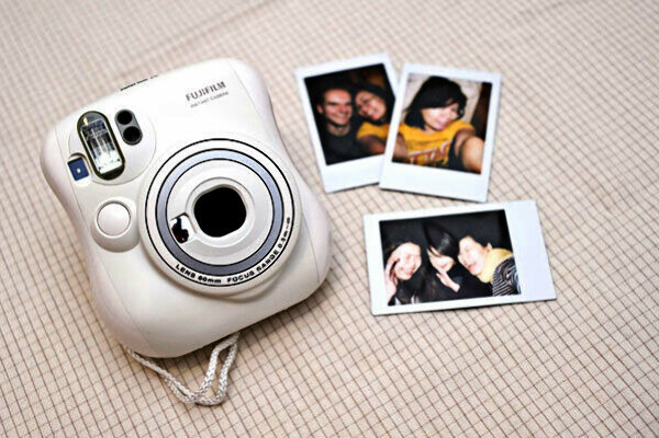Фотоаппарат моментальных снимков