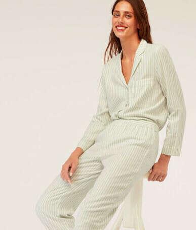 Пижама из брюк и рубашки (М)
