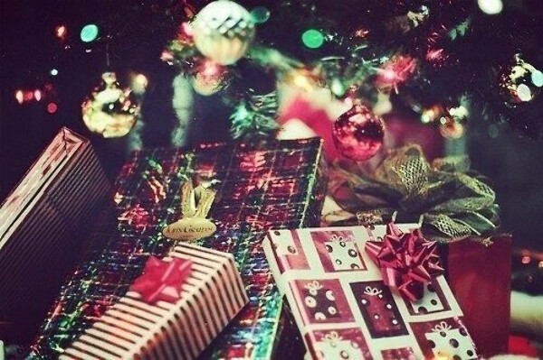 Много подарочков:3