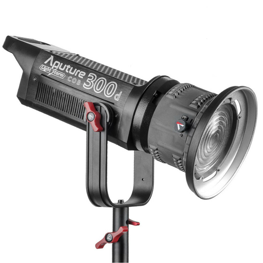 APUTURE 300D LED LIGHT + FRESNEL KIT