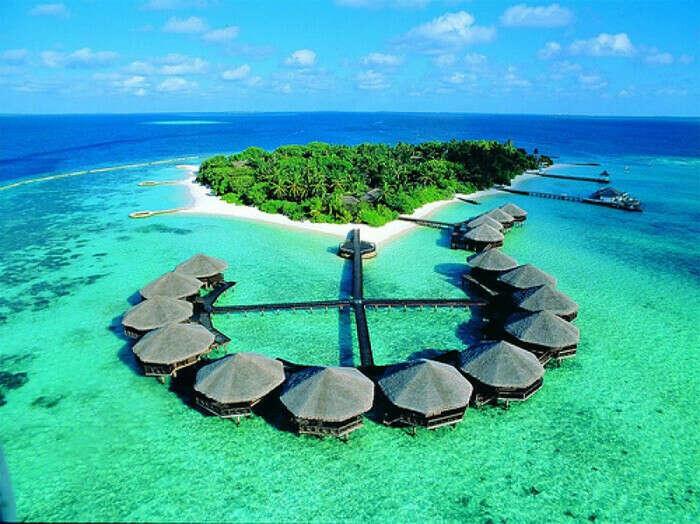 Побывать на Мальдивах )