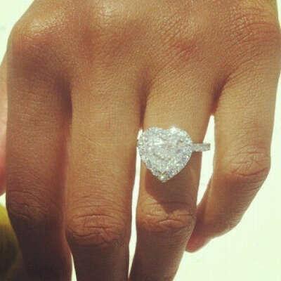Кольцо сердцем