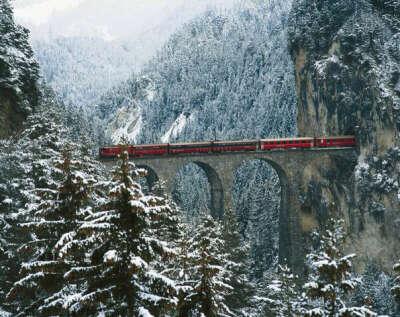 Покататься на швейцарском Ледниковом экспрессе