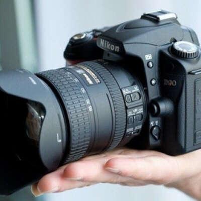 профессиональную фотокамеру