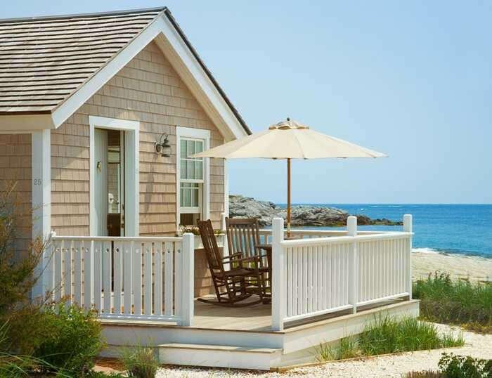 Маленький домик у моря