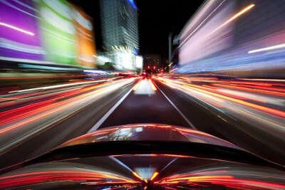 Покататься ночью на автомобиле