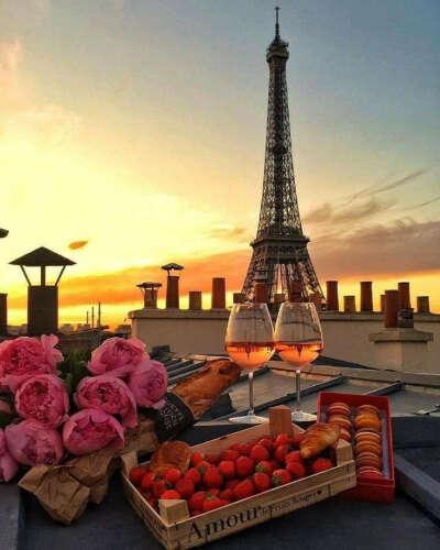 До встречи в Париже!)