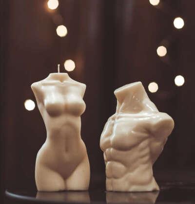 Свеча в форме тела (мужского и женского)