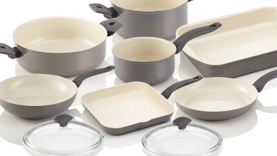 Набор крутых кастрюль и сковородок