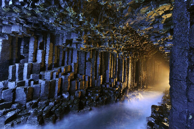 Послушать музыку Фингаловой пещеры, остров Стаффа, Шотландия