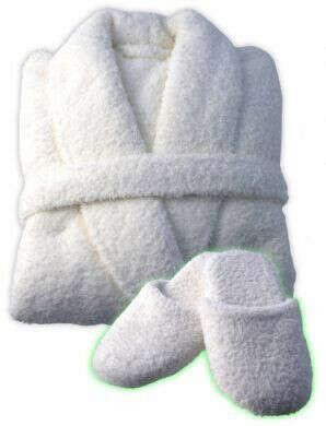 Белый пушистый халат