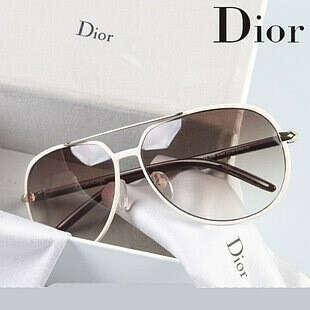 Очки от Dior