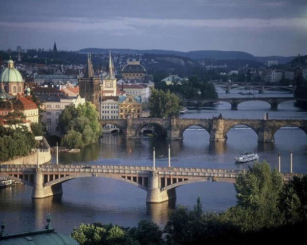 Поехать в Прагу на осенних каникулах